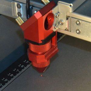 Bild eines Lasercutters